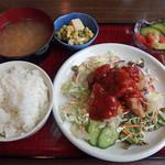 オールライト - 料理写真:本日のサービスランチ  鶏のカラアゲ・サルサソース 税込850円