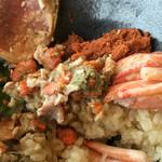 60381786 - まつ田せいこ丼のシャリは蟹出汁で炊いたごはん