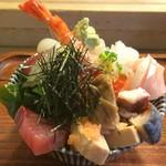 60382733 - 2016.12                       ある日の上海鮮丼1600円
