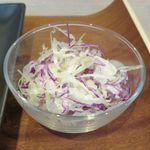 ビストロミナミヤ - サラダのアップ