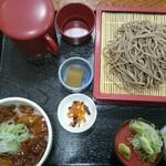 そば屋 - 料理写真:牛すじ丼とザルそばセット(税込み1,000円)