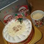 不二家 - 料理写真:2016年12月   ホワイトチョコ生ケーキ・クリスマスペコちゃんプリン