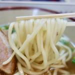 すばやー - [2016/12]宮古そば(670円)・麺は袋から取り出された既製品のよう。