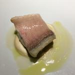 60393396 - 甘鯛の乳清ポシェ、根セロリ、オリーブオイル