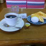 コスモス - 料理写真:ブレンドコーヒとモーニングサービス