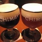 Bar Dio - ベルギービールは専用グラスに注いでくれる★CHIMAY