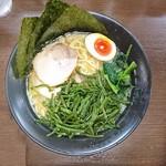 横浜らーめん 壱八家 - 2016年12月 チャーシュー麺中盛+くきわかめ 1070+50円