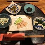 琉球料理 ぬちがふぅ - メニューコースの最初の前菜。すべて手残ったメニューの数々