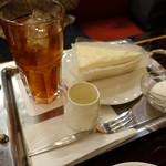 ローヤル - アイスティとチーズケーキ