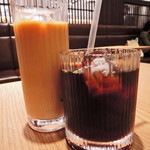 金澤ちとせ珈琲 - ちとせ特選アイスコーヒー450円と アイスカフェ・オ・レ500円を注文~! 苦味がきいていて、ほのかに酸味のある珈琲だったよ。