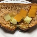 オギノパン - チーズ3 ハーフ