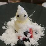 モンプチコションローズ - 28年12月 雪だるま クリームチーズムース、ライチシャーベット