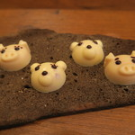 モンプチコションローズ - 28年12月 豚と熊の小菓子
