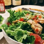 MUSHROOM - チキンのグリーンサラダ