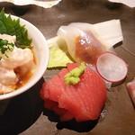 60412795 - 割鮮: カワハギ肝ポンズ、鮪はバルサミコ酢昆布を挟んでます、塩雲丹を烏賊で巻いたもの、鯛