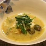 浪速割烹 喜川 - 煮物:伊勢海老、むかご
