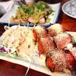 もつ焼き 稲垣 - トマべー(トマトのベーコン巻き)