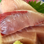氷見魚市場食堂 海寶 - 鰤刺し