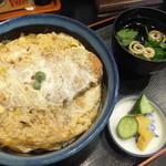 そば処 太郎 - 料理写真:かつ丼880円