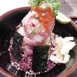 60421043 - 海鮮丼のアップ