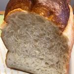 ベーカリーピカソ - 湯種もちもちトースト