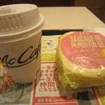 マクドナルド - ソーセージエッグマフィンとコーヒーのコンビ