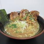 めんぱち - 料理写真:黒炙りチャーシュー麺