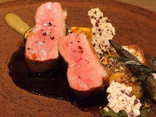 ラチュレ - ランチコース 5184円 の鴨胸肉のロースト 赤ワインソース