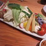 60433473 - 生野菜盛り(810円)