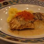 オー ミリュー ドゥ ラ ヴィ - スズキのポワレ 蟹身の濃厚ソース