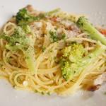 バローレ - 美瑛産ブロッコリーと自家製ベーコンのスパゲッティーニ