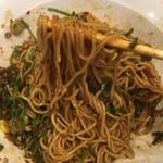 60441913 - 麺とタレの絡みは良好