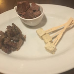 60445272 - 生チョコ燻製とチーズ