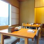 日本料理 佳香 - お客を待つ朝のテーブル