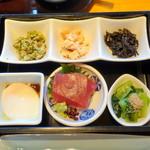 日本料理 佳香 - 和朝食3,683円の小鉢