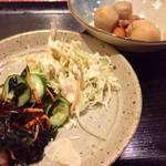 かたつむり - バイキングのサラダ、煮物