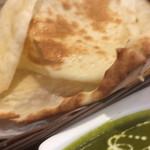 インディアンキッチン Deepty - バターナンのアップ