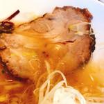 麺 藏藏 - ホロホロ厚切り肩ロース