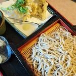 そばの里茂むら - 料理写真:舞茸天ぷら付きせいろそば1170円