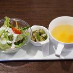 マコアコーヒー - 料理写真:スペシャルパスタランチ ミニサラダ・スープ・オクラは梅肉和え