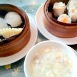 広州名菜 聚英 - フカヒレ餃子海老餃子に焼売と茸のスープ