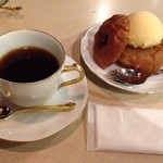 蔦珈琲店 - 焼リンゴ お飲物付き(コーヒーちょい飲み♪)