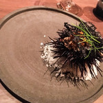 アジル - 北海道産 雲丹のリゾット、芽葱と生のりのトゥイール