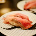 すし銚子丸 - 天然ぶり¥300(特別価格・通常¥420)