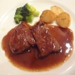 60472570 - 牛フィレ肉のソテー マルサラ風味
