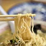 かっちゃんラーメン - ラーメンの麺
