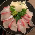 漁港めし家 牧原鮮魚店 - 豪快鰤丼 ¥1380→¥980