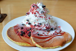 ドラゴンカフェ - ベリーのパンケーキ1