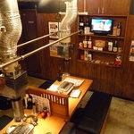ホルモン焼肉 七福 - ☆1階はカウンター席とテーブル席があります(*^_^*)☆