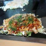 ひろしま屋 - 料理写真:そば肉イカ天入り600円+玉子50円